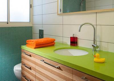 חדר אמבטיה צבעוני